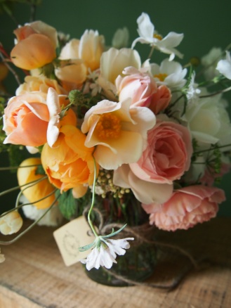 Roses anemones
